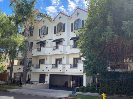 Avison Young achieves record-breaking $600,000 per unit sale of an 18-unit apartment property in Sherman Oaks, CA