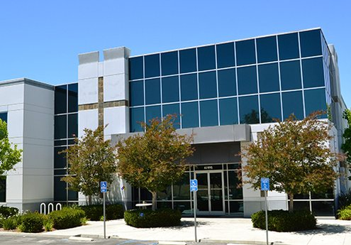 Avison Young brokers $7.4-million sale of a 60,000 sf industrial building in Temecula, CA