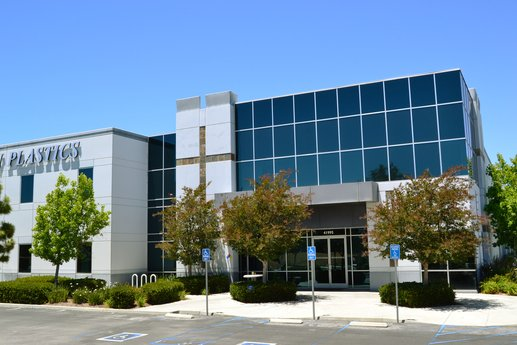 Avison Young brokers $7.4-million sale of a 60,000-sf industrial building in Temecula, CA