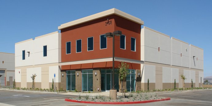 Avison Young brokers acquisition of a 10,626-sf industrial building on behalf of Carli Suspension, Inc. in Perris, CA