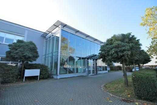 Avison Young vermittelt Lime 3.100 m² Logistikfläche in Langenfeld