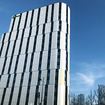 Holiday Inn Warsaw City Centre officially acquired by Union Investment. Apleona GVA responsible for technical advisory