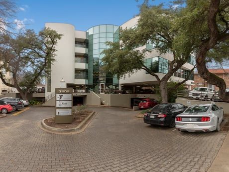 Avison Young brokers sale of 3208 Red River Street in Austin, TX