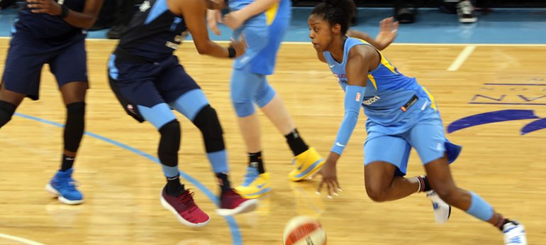 Avison Young Chicago Teams with WNBA