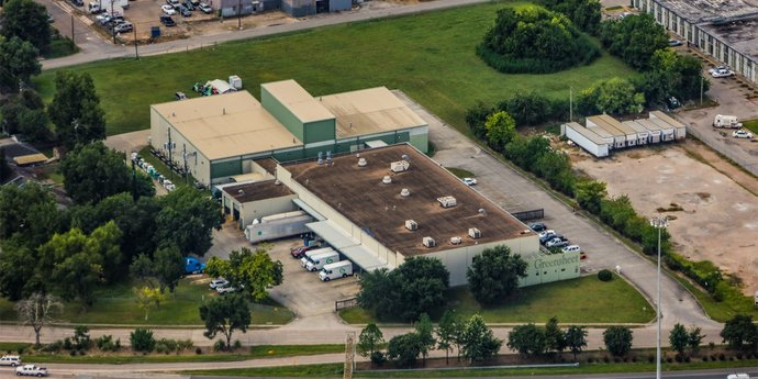 Avison Young brokers sale of 40,000-sf industrial space on 6.2 acres in Houston