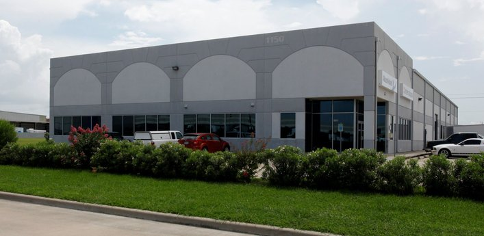 Avison Young negotiates 22,500-sf lease for vacuum- truck, water-blaster rental and service facility in Greater Houston