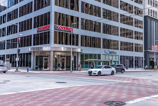 Avison Young negotiates 12,250-square-foot lease for professional engineering company in Downtown Houston