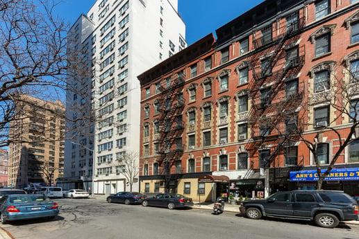 Avison Young's Tri-State Investment Sales Group announces bid deadlines for 12-building Upper East Side portfolio
