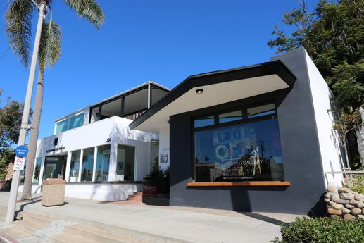 Avison Young arranges the sale of The Gallery, a 10-unit mixed-use property in Laguna Beach, CA